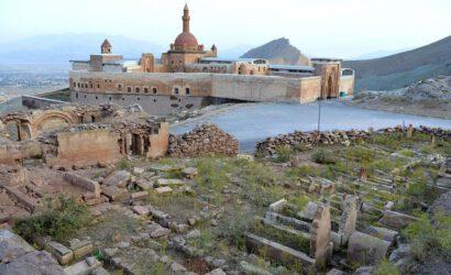 ishak-pasha-palace